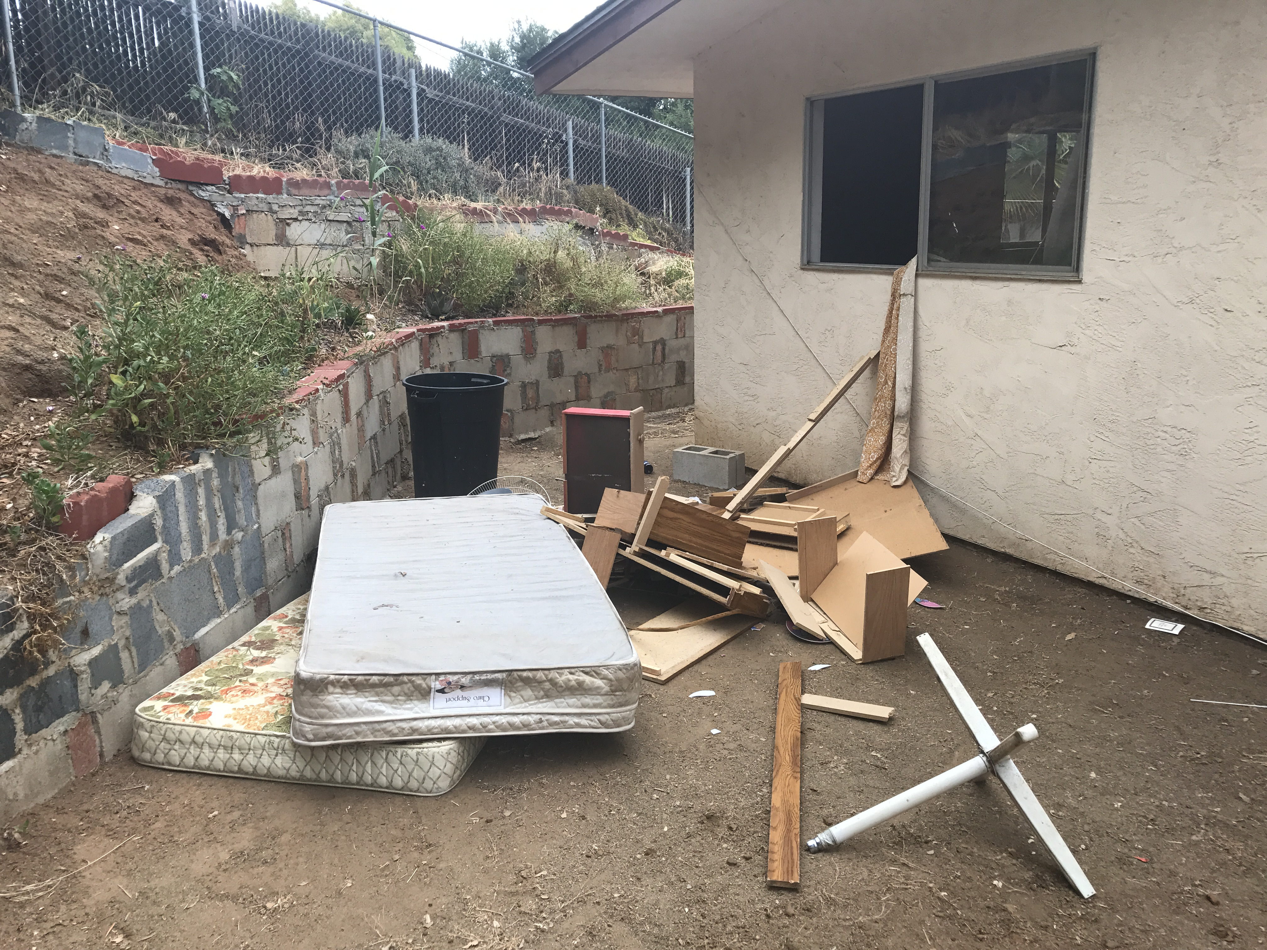 Furniture Disposal Removal Amp Pickup In San Diego Ace